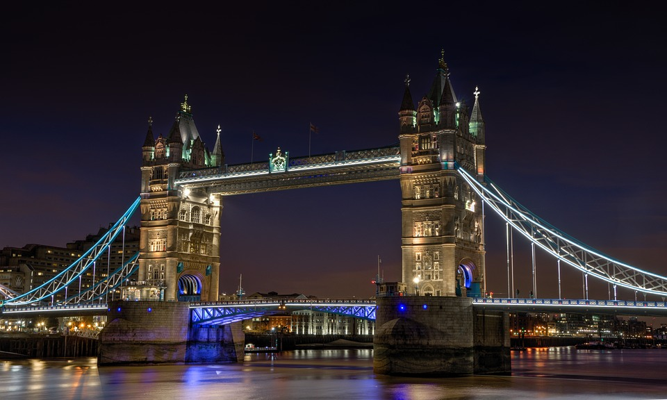 tower-bridge-(pixabay)